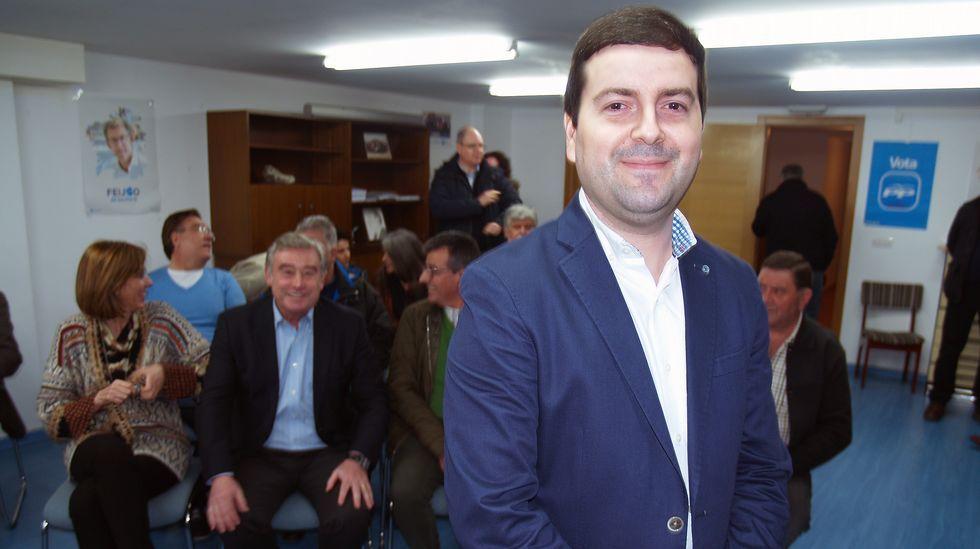 Manifestación por la unidad de España en Oviedo.El secretario general de la Federación Socialista Asturiana (FSA) y candidato a la Presidencia del Principado, Adrián Barbón, interviene durante el primer acto público de Pedro Sánchez en Oviedo