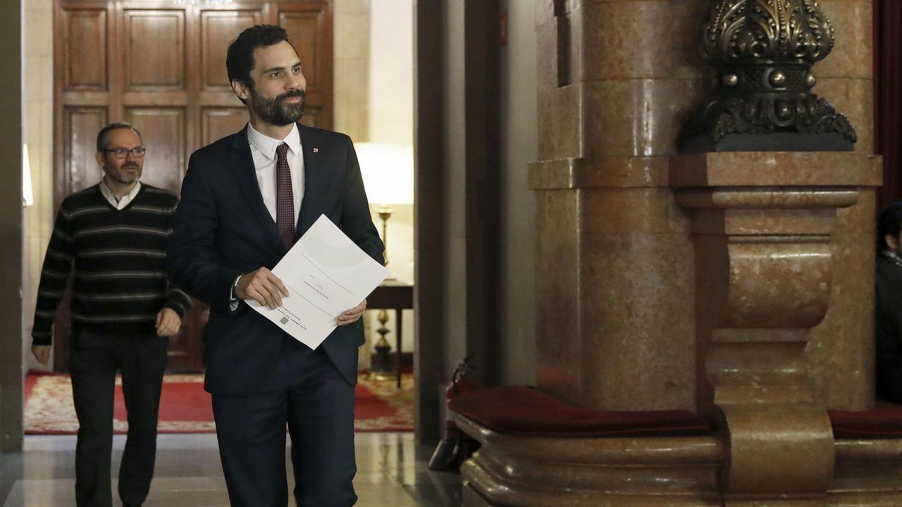 .Reunión en el Parlamento catalán
