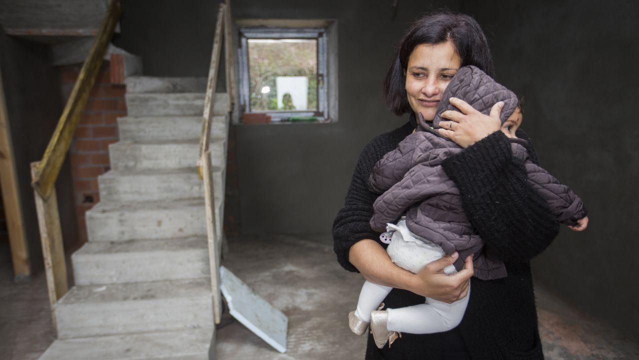 Tatiana solo tiene gratitud para todos los que la ayudaron: «A casa que quería o meu home está case feita».Mauricio Aufiero es el líder del PP en Camariñas