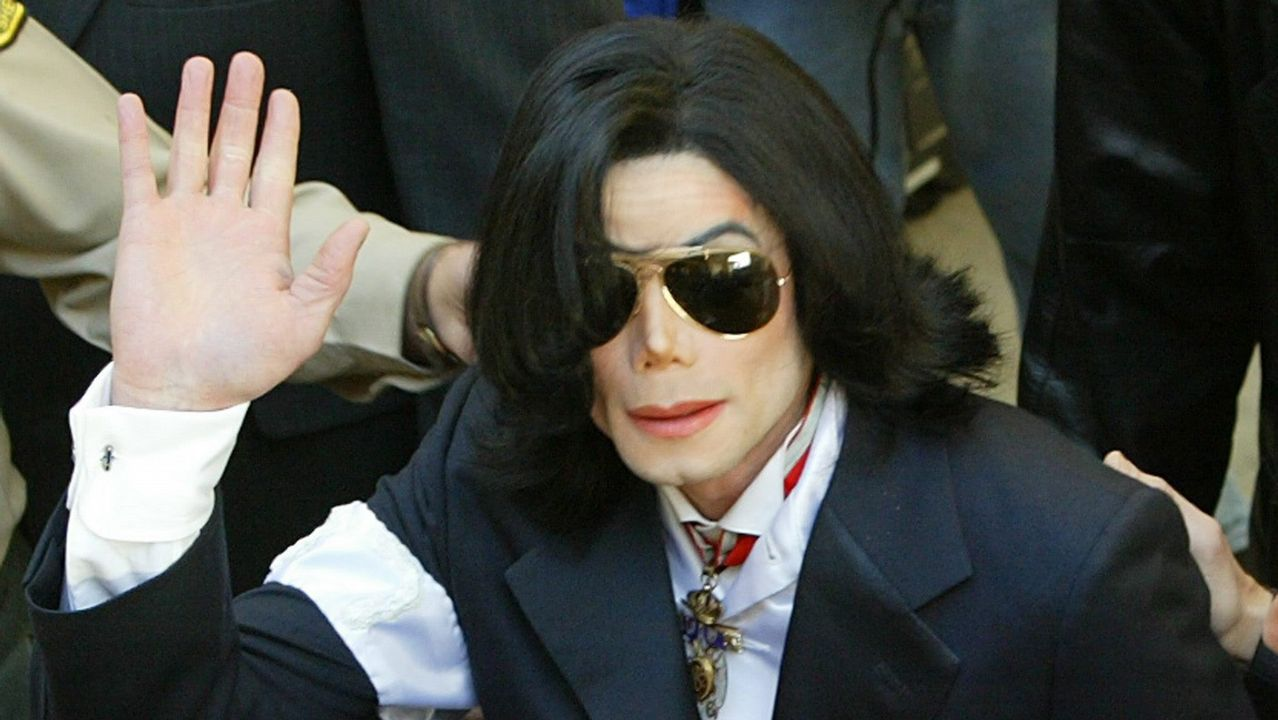 Cuando Michael Jackson desfiló con la Policía Nacional.