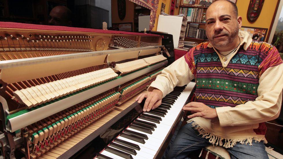 El pianista sobre el océano que grabó con Silvio.El baterista brasileño ha acompañado a grandes músicos a lo largo de su trayectoria.