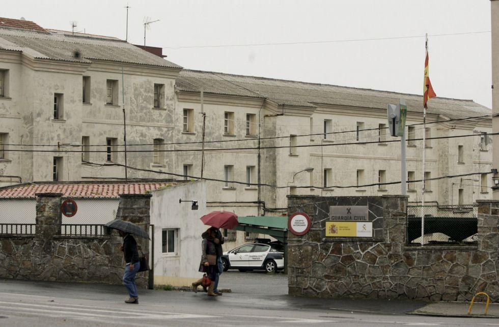En la fotografía, una vista del cuartel de la Guardia Civil en Ferrol.