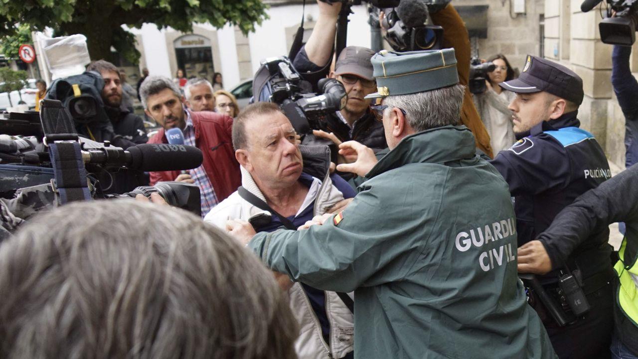 El afectado por la explosión de Tui intenta agredir al dueño de la pirotecnia frente a los juzgados