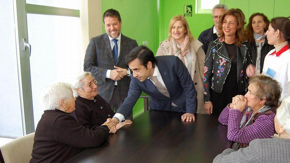 Oleiros: los últimos de un oficio.La entrega de insignias tuvo lugar en la Academia Galega de Seguridade Pública (Agasp)