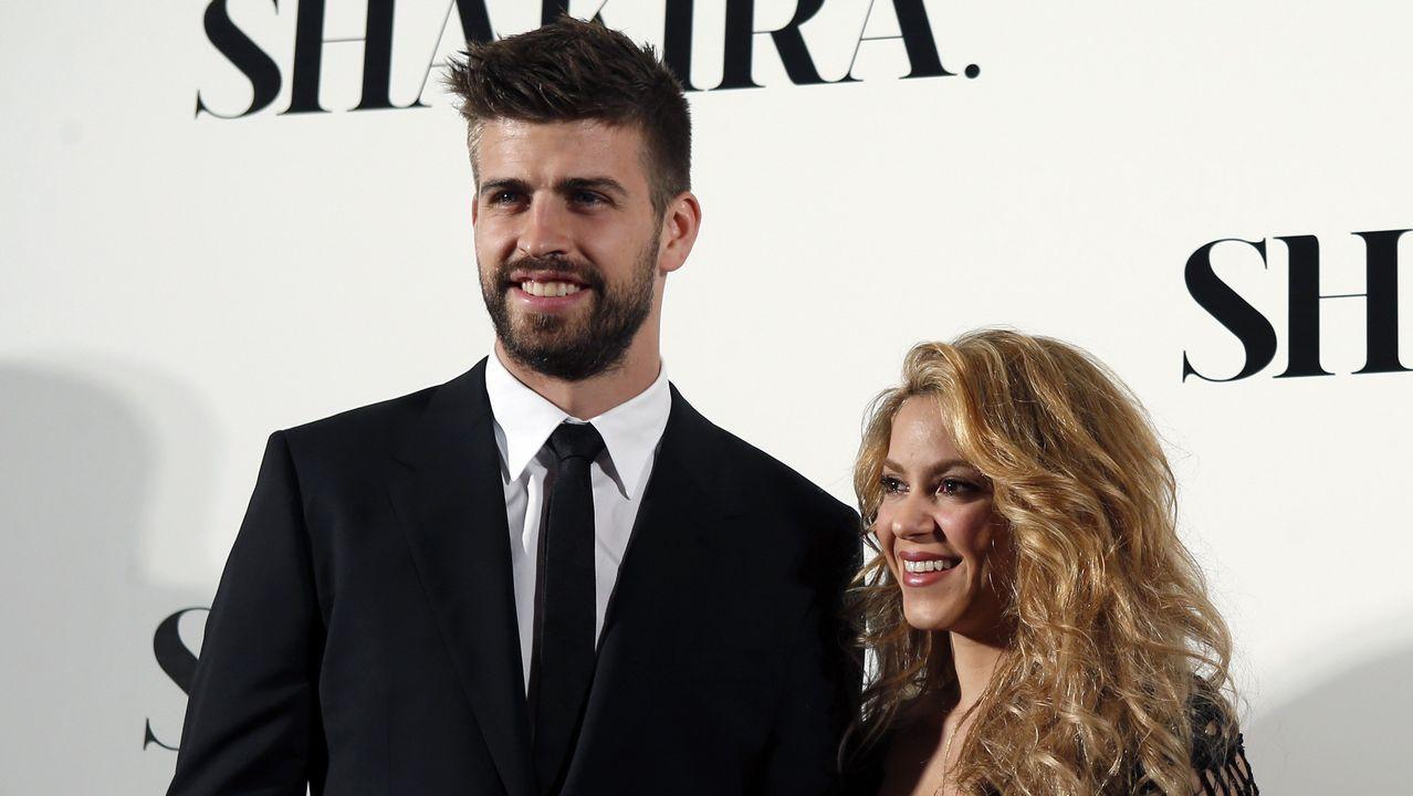 Investigan un robo en la casa de Shakira y Piqué.La cabecera de la manifestación de los pensionistas en Gijón