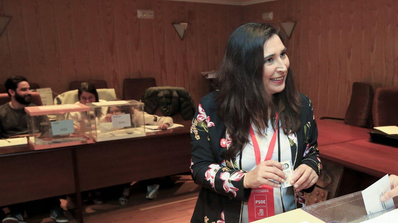 Los funcionarios de la provincia celebran su fiesta.Lola Herrera protagoniza «Cinco horas con Mario»