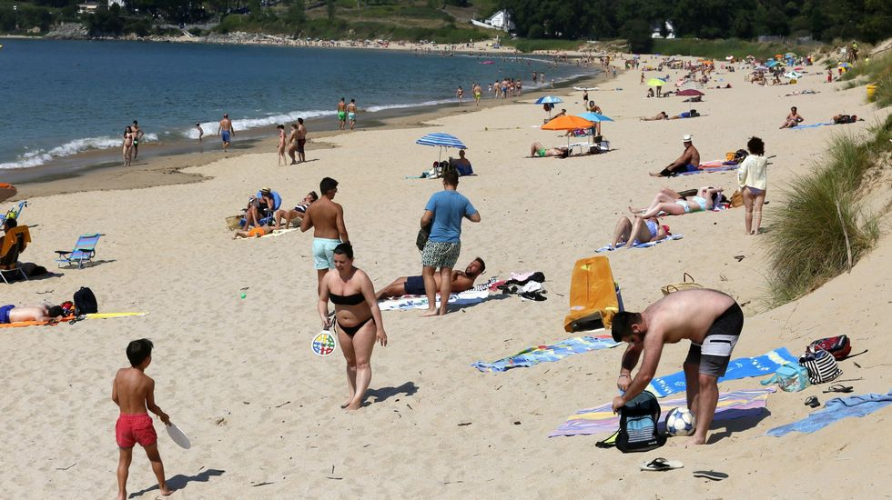 Playa de Retorta, en Boiro.Playa de Area, en Viveiro