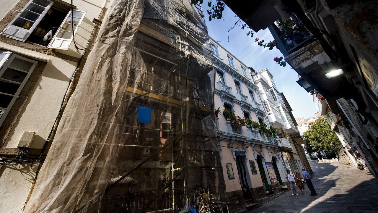 Calle Damas. En el casco antiguo de la ciudad hay muchos inmuebles en estado ruinoso.