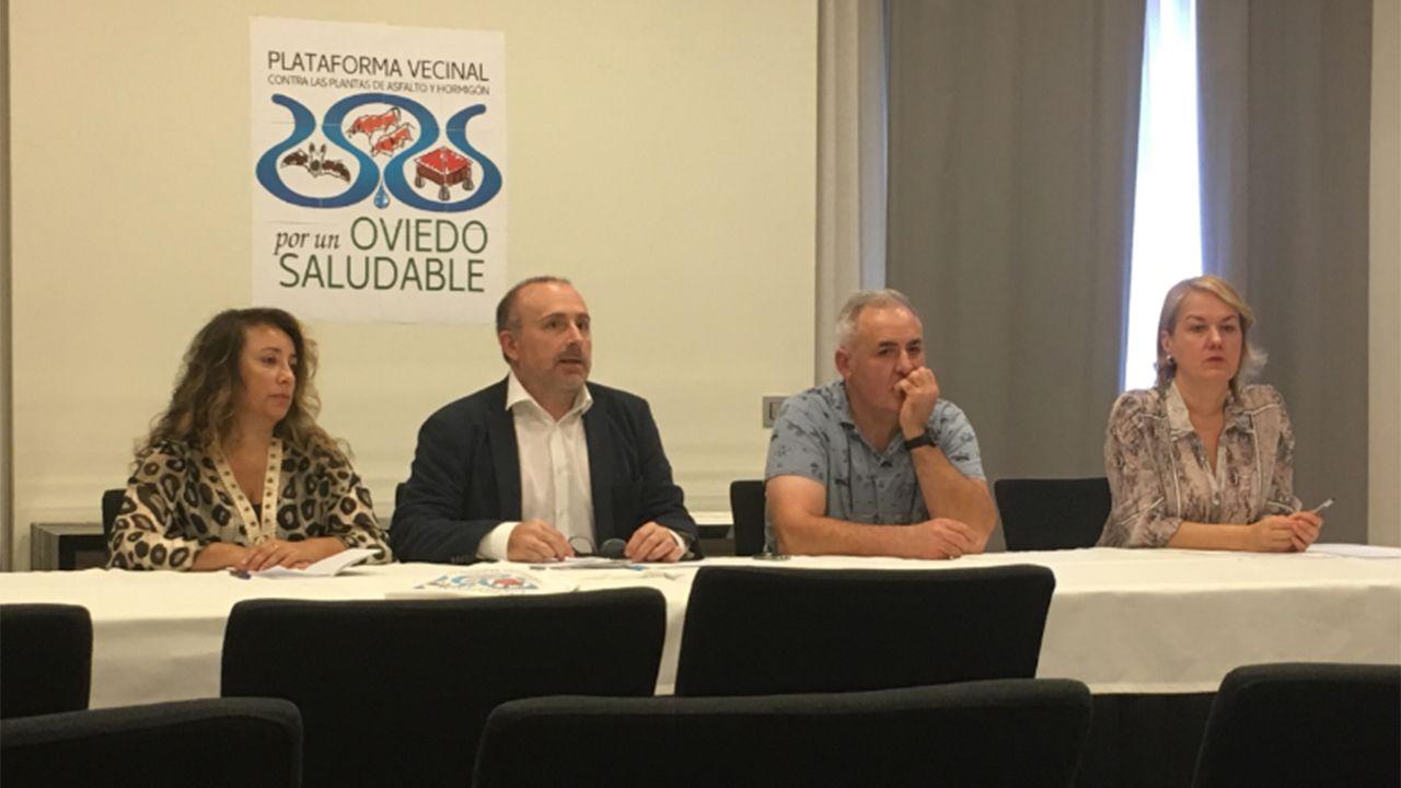 Enfermeras de Familia y Comunitaria reivindican su profesión y la creación de su categoría profesional en Asturias.Miembros de la asociación vecinal Por un Oviedo Saludable