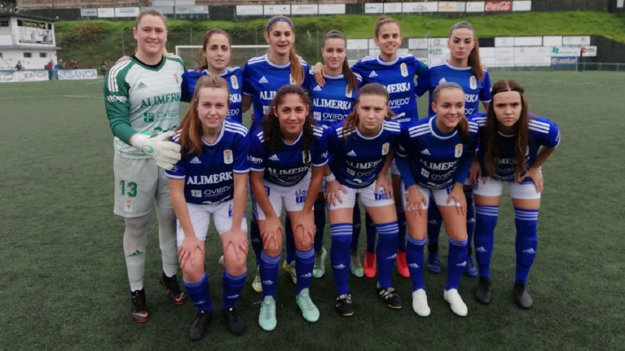 Real Oviedo Femenino Sardoma.Omar Ramos controla un balón en su debut ante el Almería
