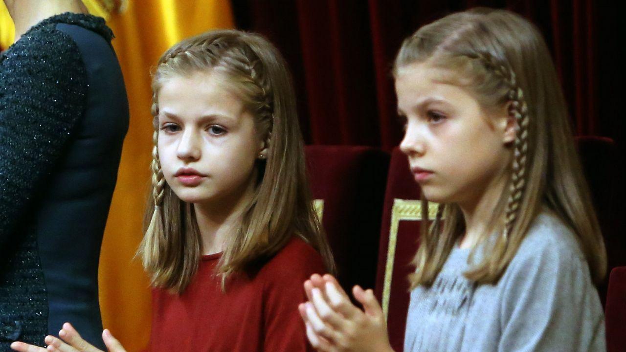 .Con su hermana, en el acto solemne en el Congreso