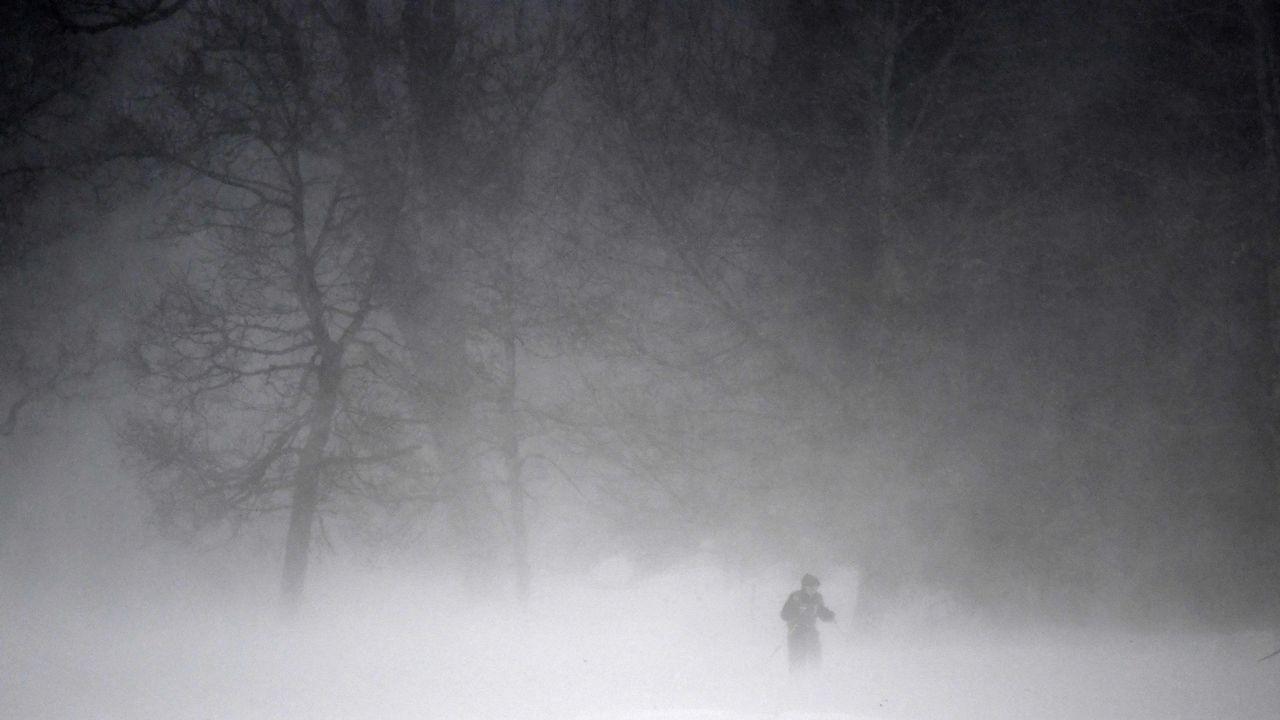 Un esquiador de fondo se prepara para una prueba en Oberstdorf, en el sur de Alemania