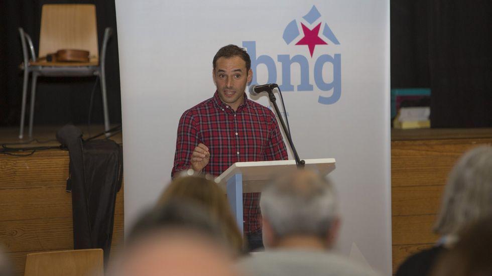 Walter Pardo será el nuevo alcalde de Malpica: las imágenes del pleno.Los vecinos del barrio lucense de As Gándaras se manifestaron el pasado marzo contra las okupaciones