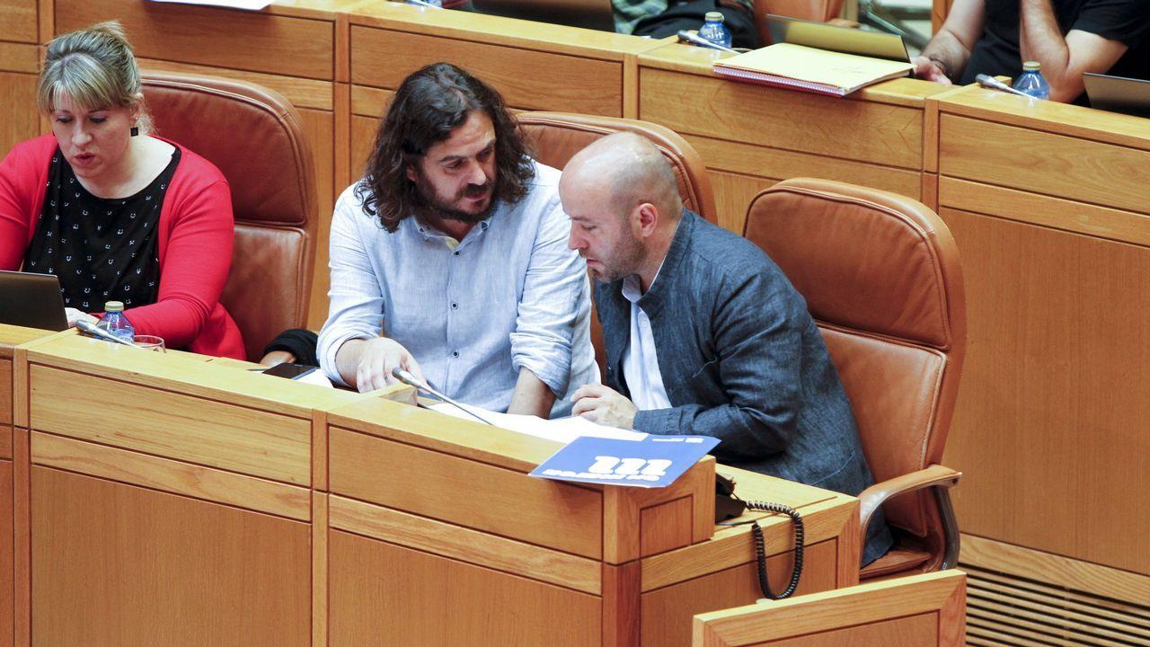 Feijoo se encara con Villares tras su contundente ataque al expresidente Albor.Paula Quinteiro y Luís Villares esta mañana en el Parlamento
