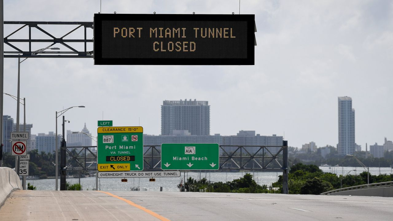 Algunas viás, como el tunel al puerto, han sido cerradas provisionalmente.