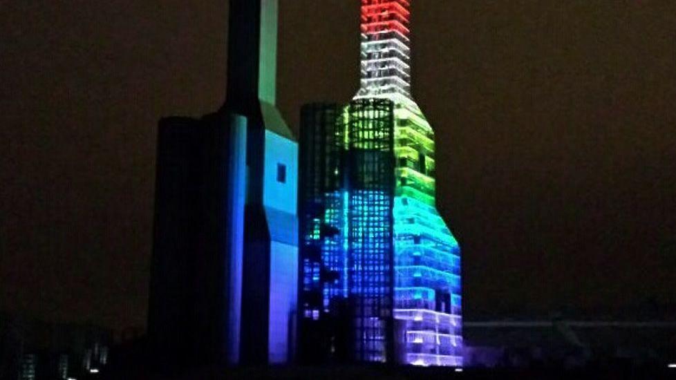 La bandera gay ondeará por primera vez en el Concello de Santiago
