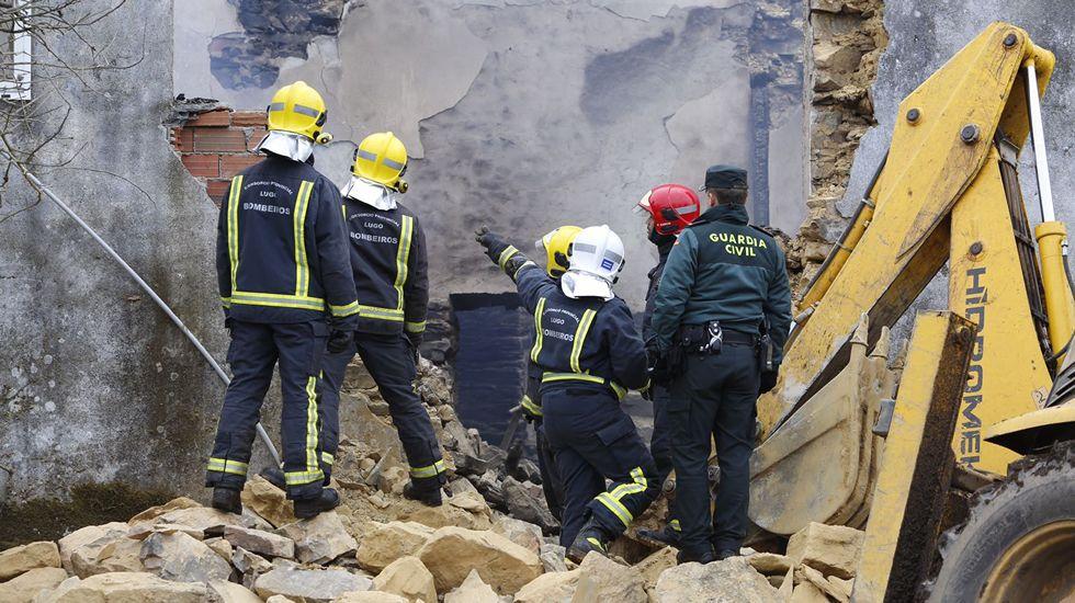 Dos ancianos atrapados por un incendio que destruyó su casa en Bóveda