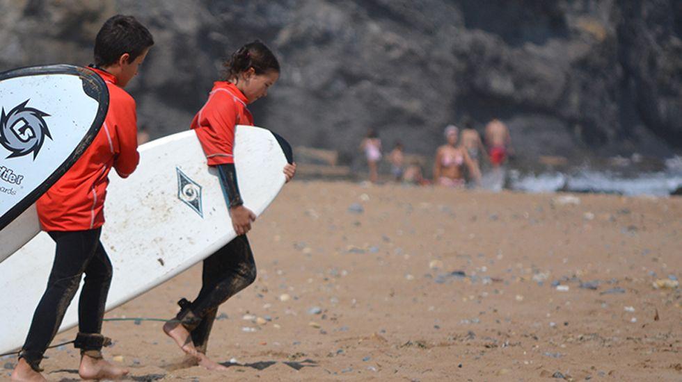 Surf niños.