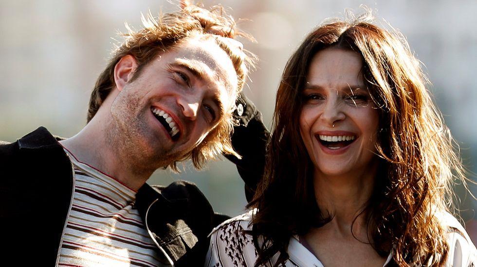 Robert Pattinson y Juliette Binoche presentaron el filme en San Sebastián.