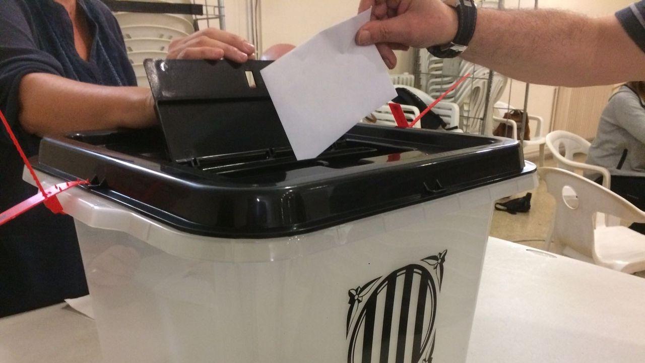El abogado de Puigdemont, Gonzalo Boye, tuvo que presentar su documentación en el registro como le ordenó una funcionaria de la Junta Electoral.Maragall no se resigna a perder la alcaldía de Barcelona, donde Esquerra fue el partido más votado