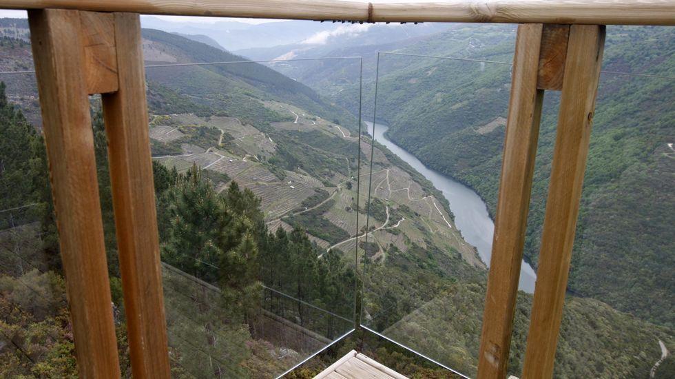 Vista de la ribera de Val dos Frades desde el mirador de Vilachá de Salvadur