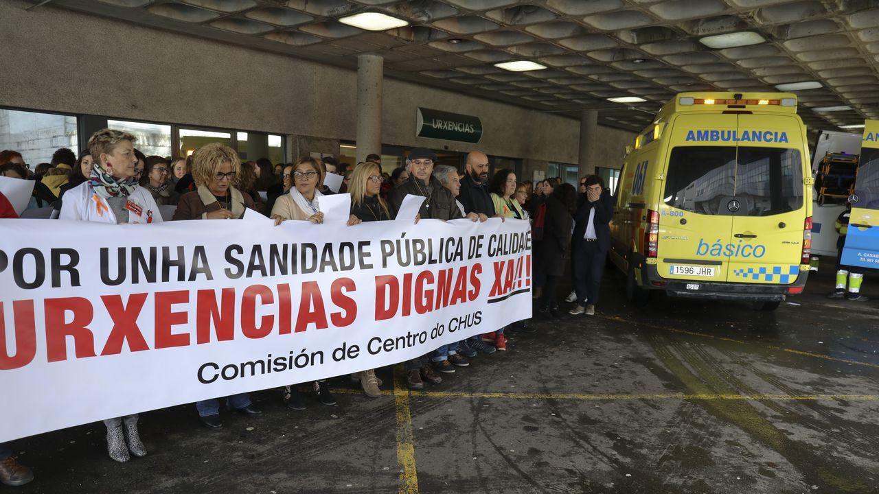Concentración trabajadores de Urgencias del hospital Clínico