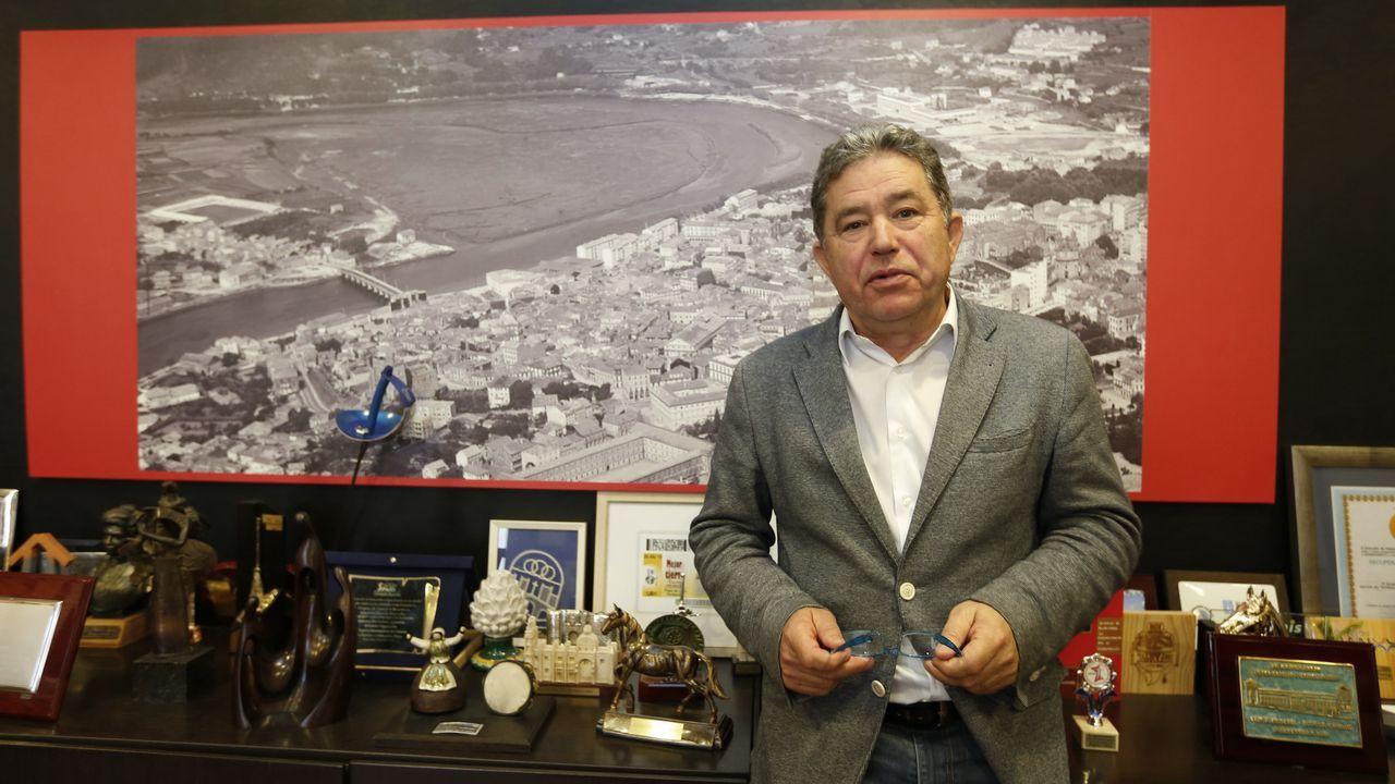 Lores, este xoves no seu despacho no concello de Pontevedra