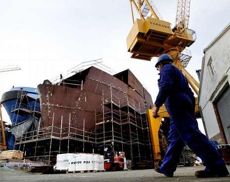 El ferri garantizará al astillero año y medio de trabajo.