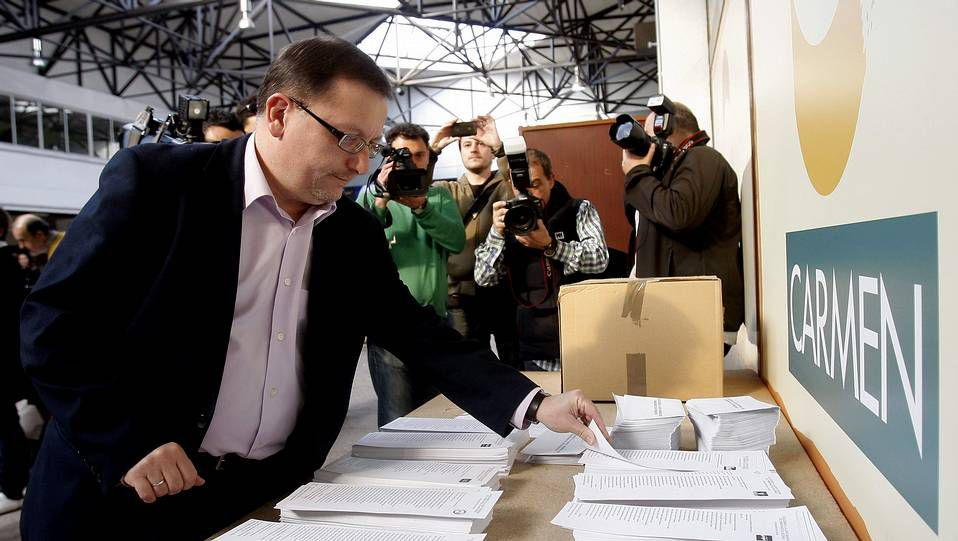 Jesús Iglesias, candidato de Izquierda Unida a la presidencia del Principado..Bonifacio Fernández Vilalta