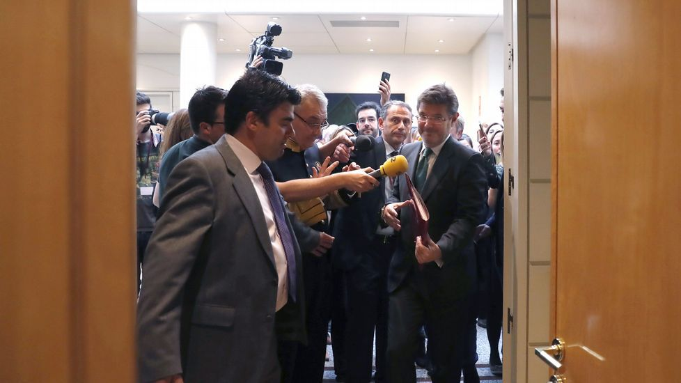 CIFUENTESH.El presidente del Gobierno, Mariano Rajoy, charla con su homólogo uruguayo, Tabaré Vázquez, durante su visita a Montevideo