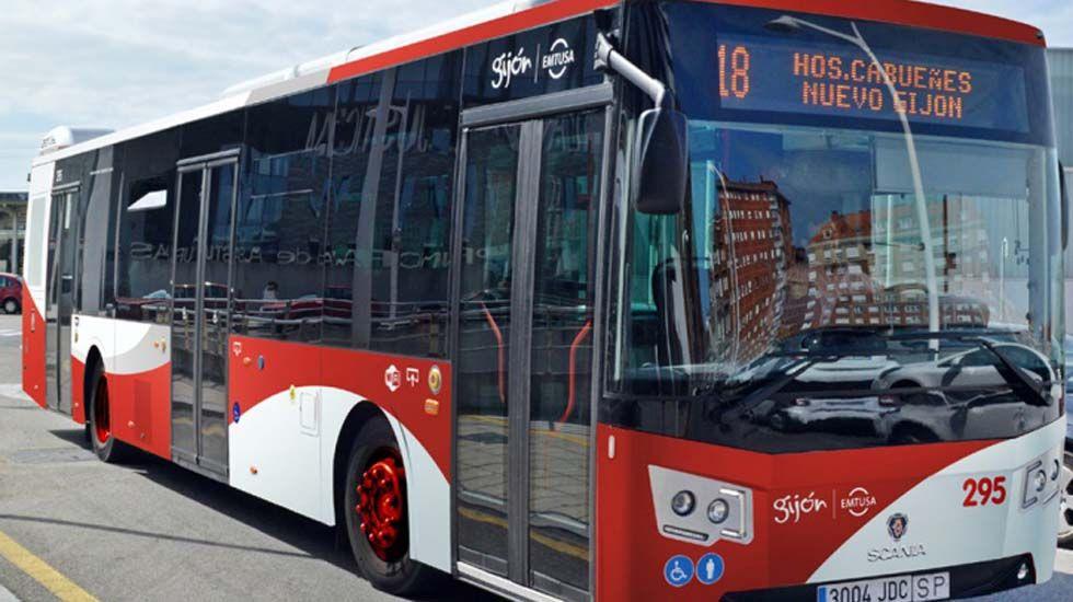 .Un autobús de Emtusa