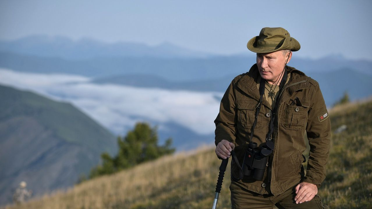 El presidente ruso también hizo senderismo y subió varias montañas
