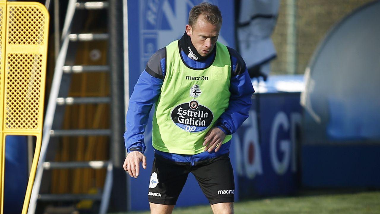 Krohn-Dehli se estrena en el entrenamiento del Deportivo.