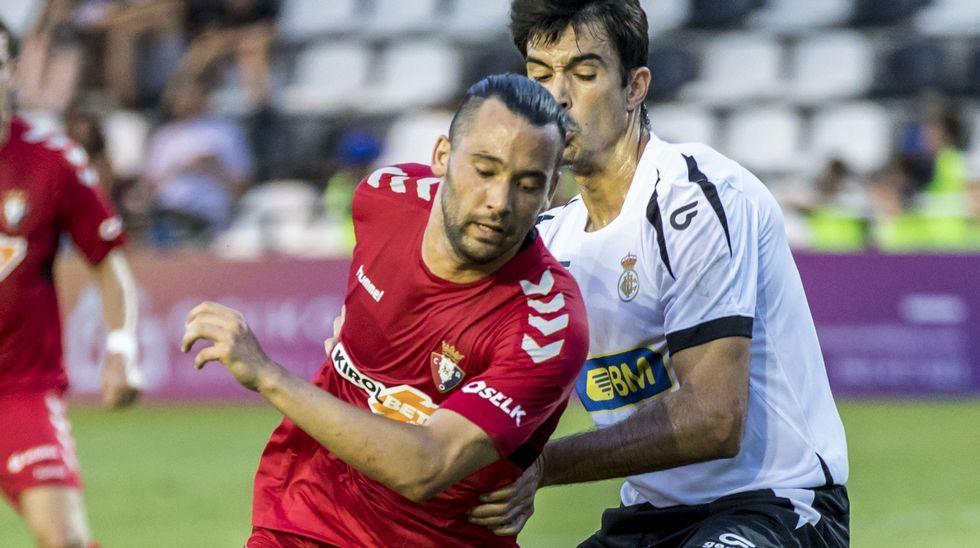 Gol Diegui Johannesson Lugo Real Oviedo Anxo Carro.Raúl Fernández en el Levante-Oviedo de 2017