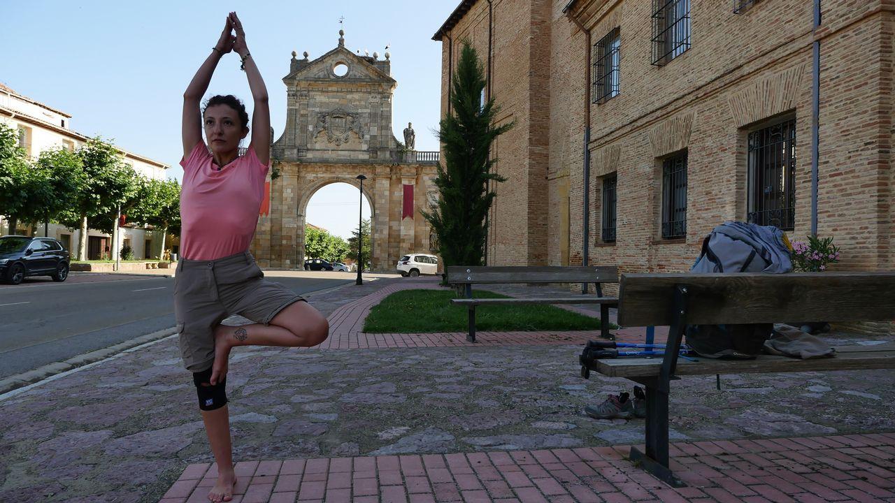 Isabel, que hace cada mañana ejercicios de yoga, ha emprendido un camino espiritual