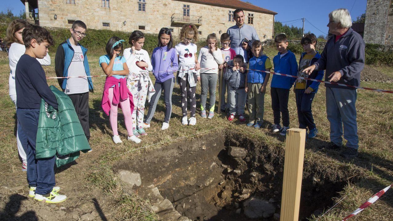 Lo que está dando de sí la excavación de Moraime: ¡mira el álbum!.La excavación ha sacado a la luz muros de una villa romana y tumbas de los siglos IV y V