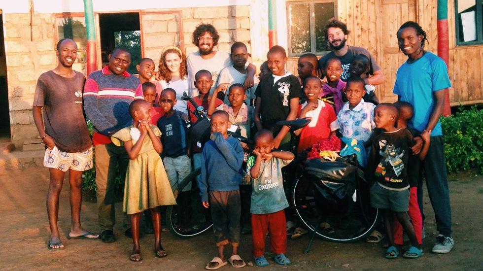 El viaje de Nicolás Merinoen bici por África.