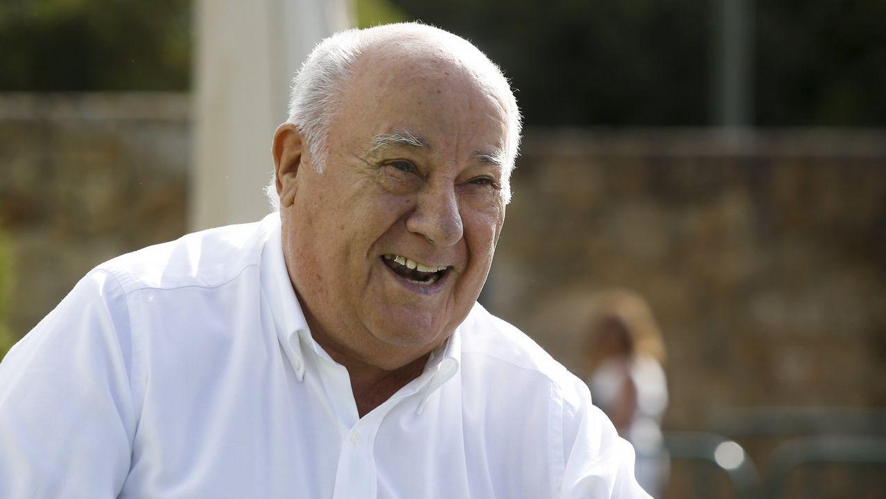 AMANCIO ORTEGA (INDITEX). Fortuna de 71.300 millones. El padre de Inditex tiene numerosos proyectos para mejorar la educación y la salud. Recientemente financió la renovación de equipos oncológicos.