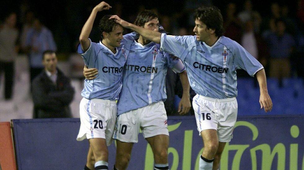 Celebrando un gol junto con Jesuli y Mostovoi.
