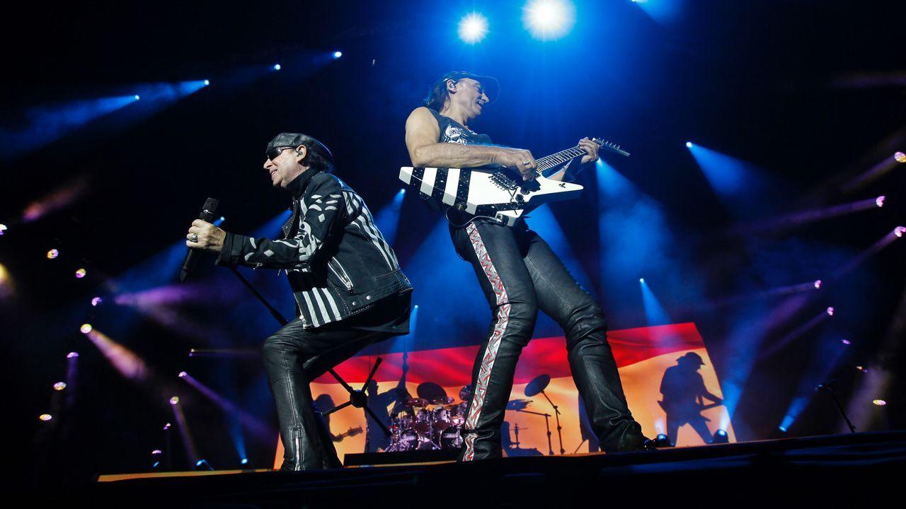 Scorpions levanta el Resurrection de Viveiro.Eddie Vedder durante concierto de su banda Pearl Jam en el festival NOS Alive, en Portugal