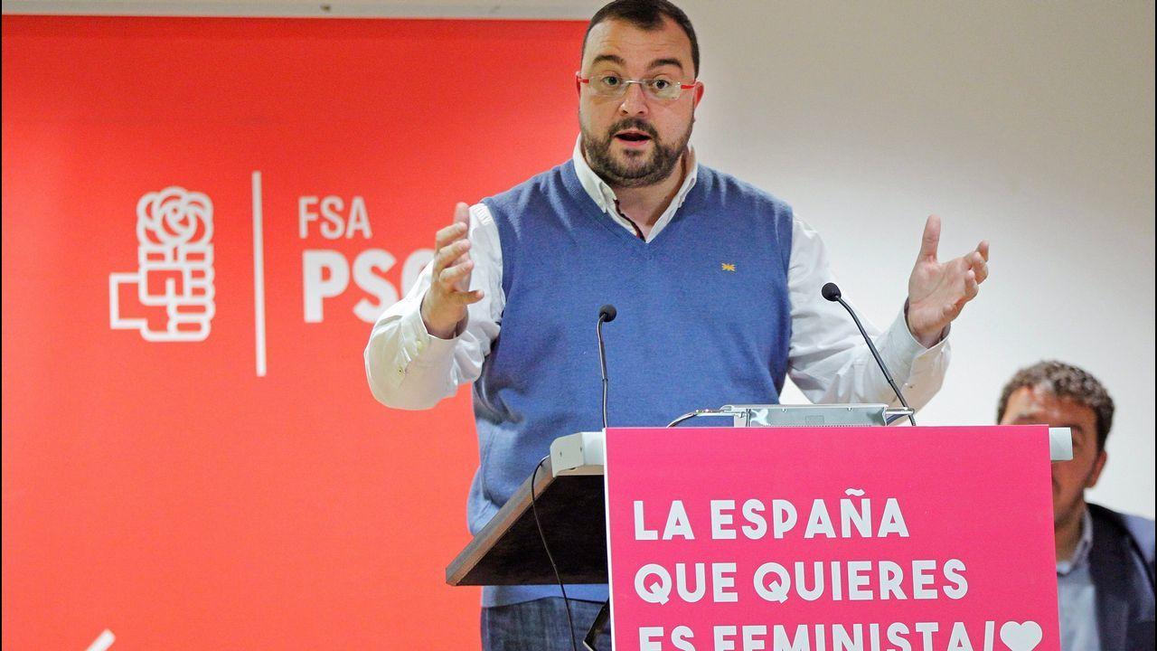 Cuatro décadas de la Ventolín en imágenes.El secretario general de la FSA-PSOE, Adrián Barbón