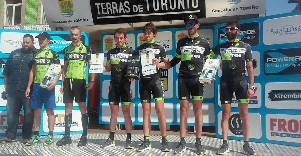El Frigoríficos Bandeira Extol logró colocar dos equipos como primero y tercero en Tomiño.