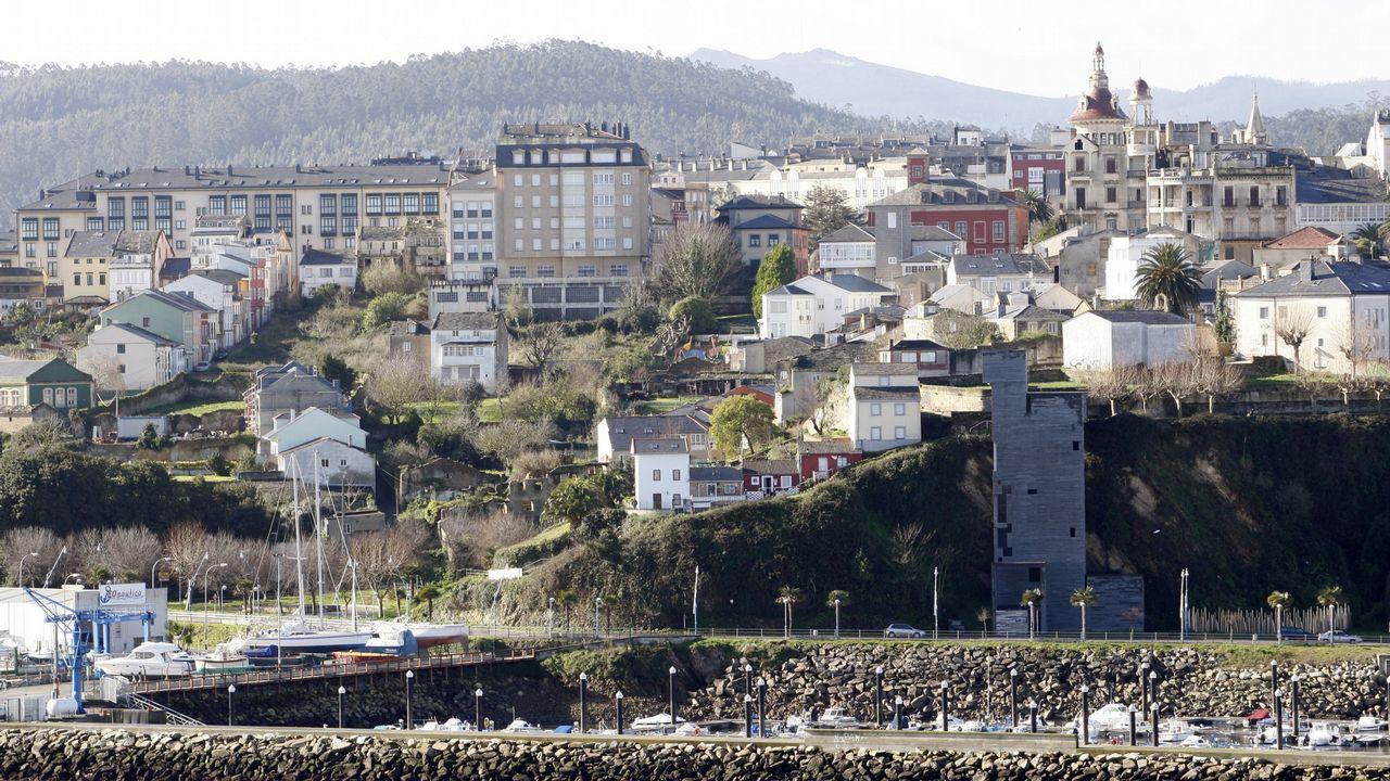 Así está el entorno del auditorio de Vigo.Sito Miñanco, ante la Audiencia de Pontevedra