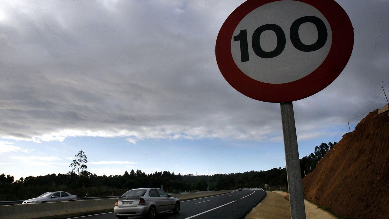 El Gobierno bajará en 2019 el límite de velocidad a 90km/h en todas las carreteras convencionales.Fernando Alonso y Jesús Calleja en «Planeta Calleja»
