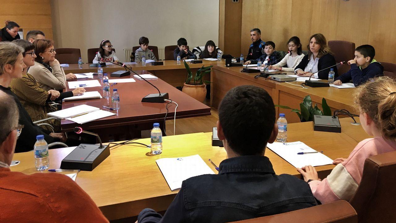 Primeira reunión do Consello municipal de nenos e nenas