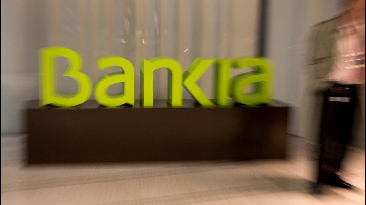 Rato entra en Soto del Real.Cajero de Liberbank