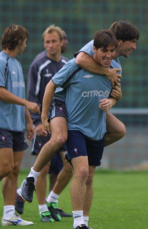 José Ignacio, bromeando con Berizzo en un entrenamiento en presencia de Giovanella y Mostovoi.