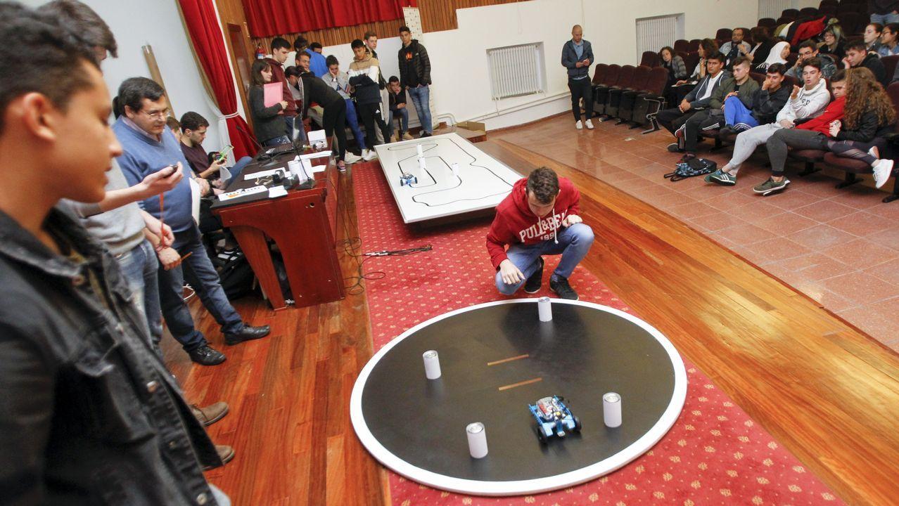 Combates de robots en Serantes.