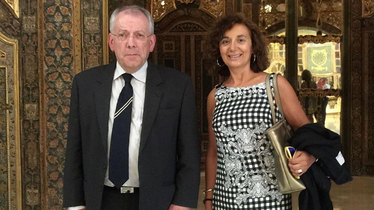 Las mil y una marquesinas gallegas.María José García tomó el relevo de José Luis Rodríguez Dacal al frente de la Federación de Farmacias de Galicia en el año 2017