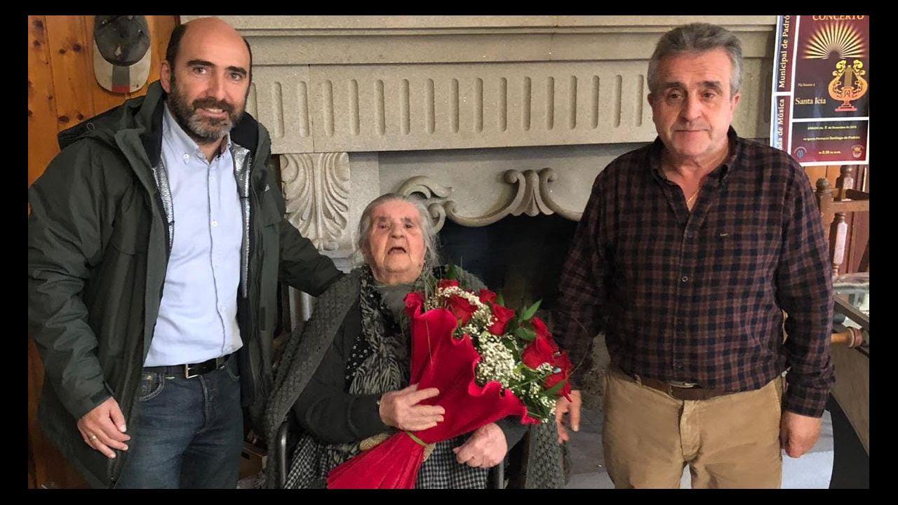 Esteban Aparicio, junto a Carmen Moriyón